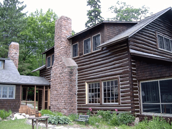 This job took over two years to complete. The scope of the log work and the restoration in general was very large and it exemplifies the quality of log home restoration that Edmunds & Company provides its clients.