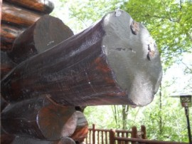 Log home repair – Rotting log ends are a real problem.