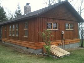 Log home maintenance and repair of vertical logs