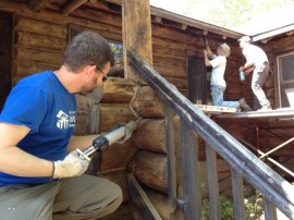 "Log home chinking – Saying good bye to your log home for the season? Tips to keep those unwanted ""guests"" OUT!"