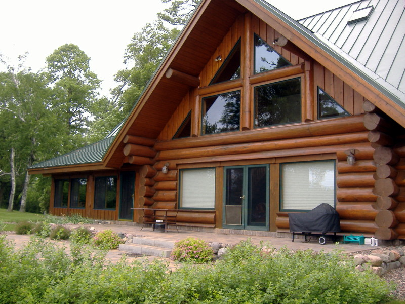 A log home that looks good due to sandblasting.