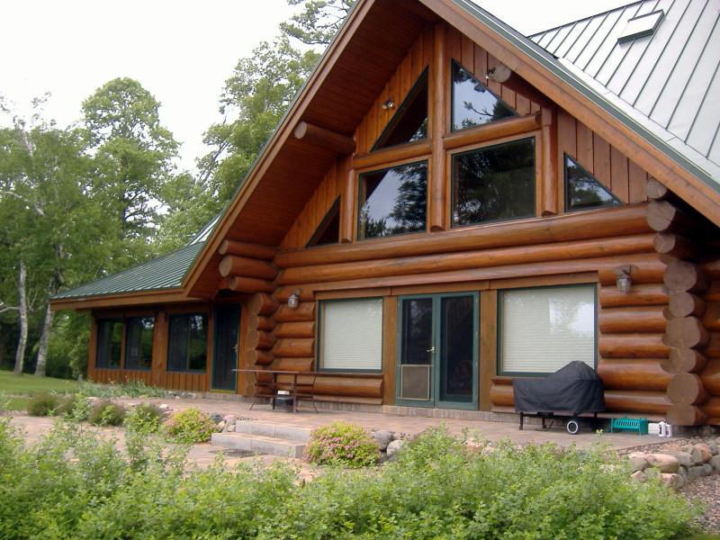 A log home that looks good due to sandblasting.