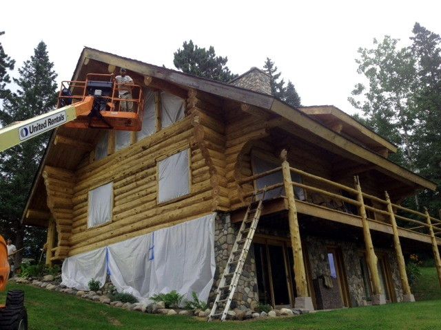 Caulking cracks and checks in walls edmunds and company for Log cabin maintenance