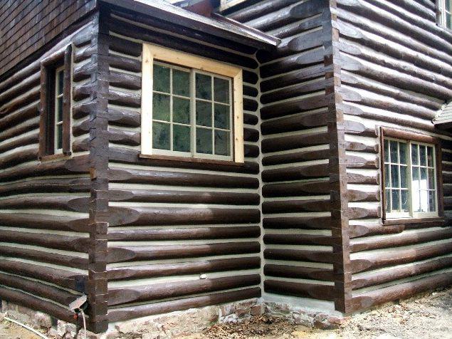 Log home corner restored