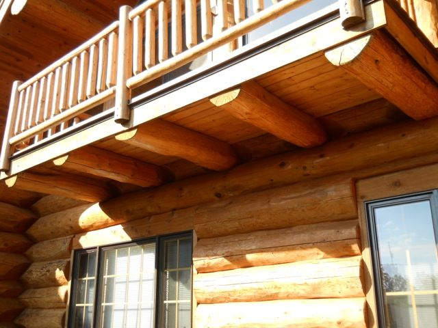 Closeup of cantilevered deck with roofing applied